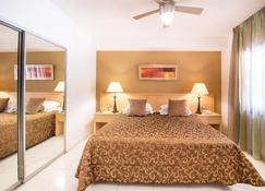 Hollywood Mirage - Los Cristianos - Bedroom