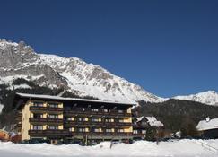 Ferienhotel Knollhof - Ramsau am Dachstein - Building
