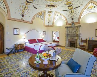 Villa Cimbrone - Ravello - Bedroom