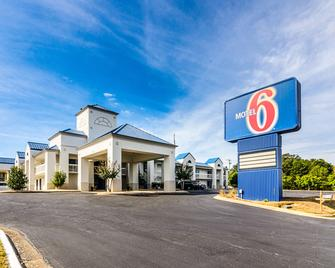 Motel 6 Troy - Troy - Building