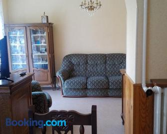 chez Patricia - Cransac - Living room