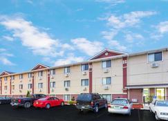 Super 8 by Wyndham Kenosha/Pleasant Prairie - Pleasant Prairie - Building