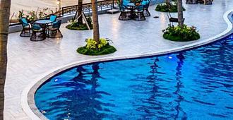 Seaside Boutique Resort Quy Nhon - Qui Nhon - Pool