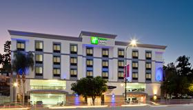 Holiday Inn Express Hotel & Suites Hollywood Walk of Fame - Los Angeles - Building