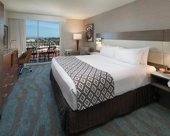 Crowne Plaza Ventura Beach - Вентура - Спальня