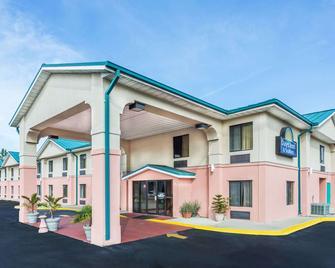Days Inn by Wyndham Panama City/Callaway - Panama City - Building