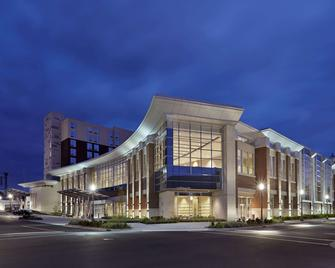 DoubleTree by Hilton Lawrenceburg - Lawrenceburg - Building