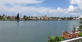Sta 'n Pla Motel II - Clearwater Beach - Vista del exterior