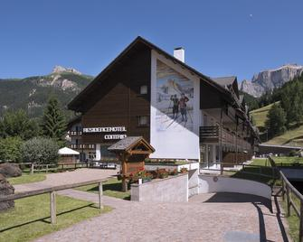 Residence Contrin - Canazei - Building