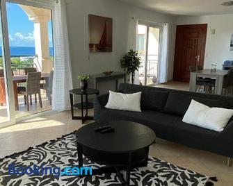 The Hotel Porto Cupecoy - Philipsburg - Living room