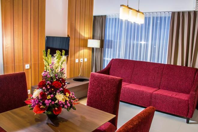 Swiss-Belinn Malang - Malang - Living room