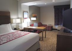 La Quinta Inn & Suites by Wyndham Tuscaloosa McFarland - Tuscaloosa - Bedroom