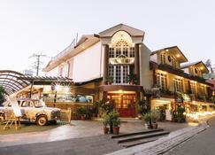 Hotel Willow Banks - Shimla - Building