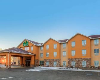 La Quinta Inn & Suites by Wyndham Glendive - Glendive - Building
