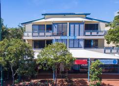 Byron Quarter Holiday Apartments - Byron Bay - Building