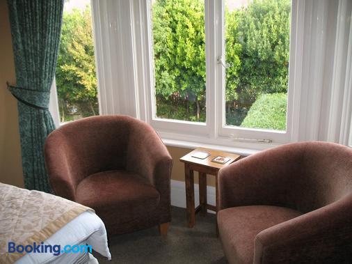 The Kenbury - Shanklin - Living room