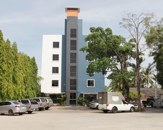 River View Hotel - Bang Kung - Building