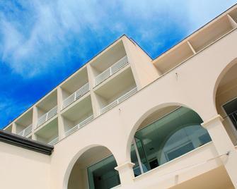 Hotel Nautico Ebeso - Ibiza - Building