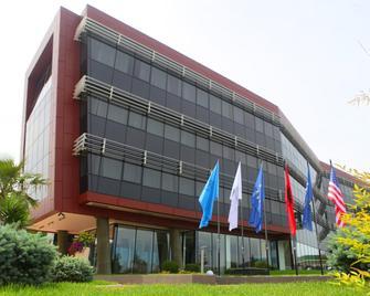 Best Western Premier Ark Hotel - Tirana - Building