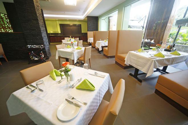 Best Western PREMIER Garden Hotel Entebbe - Entebbe - Restaurante