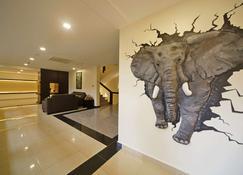Best Western PREMIER Garden Hotel Entebbe - Entebbe - Resepsjon