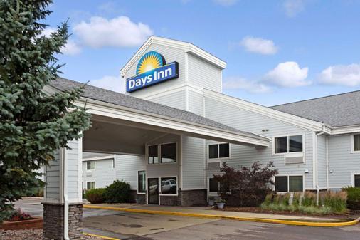 Days Inn by Wyndham Cheyenne - Cheyenne - Building