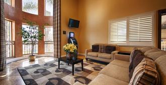 Best Western Burbank Airport Inn - Los Angeles - Living room