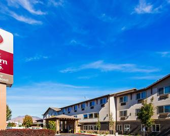 Best Western Plus Wenatchee Downtown Hotel - Веначи - Здание