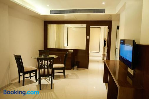 Hotel G-Square - Shirdi - Dining room