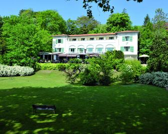 Hostellerie du Country Club - Samois-sur-Seine - Building