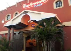Continental Plaza Hotel - San Miguel - Bygning
