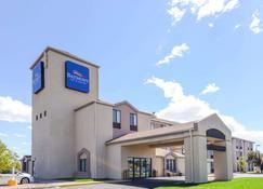 Baymont by Wyndham Pueblo - Pueblo - Building