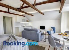 Porto Downtown Lovers Suites Bombarda 451 - Porto - Living room