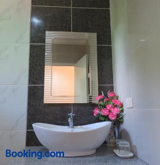 Malapascua Garden Resort - Daanbantayan - Bathroom