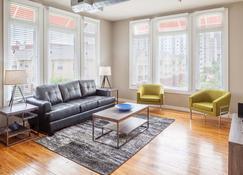 Stay Alfred on Peachtree Street - Atlanta - Living room