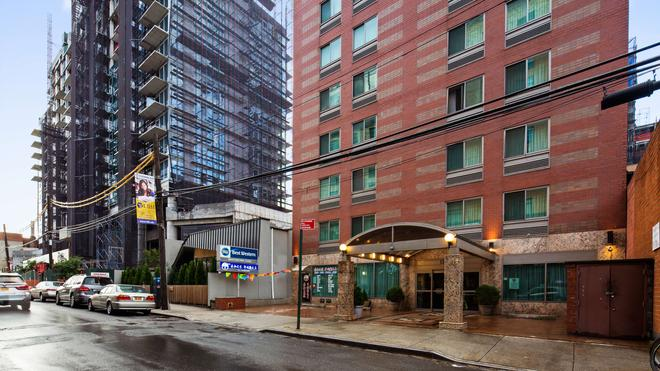 Best Western Queens Court Hotel - Queens - Edificio