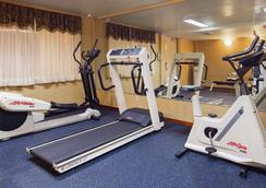Best Western Queens Court Hotel - Queens - Gym