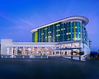 CK Tanjungpinang Hotel & Convention Centre - Tanjung Pinang - Building