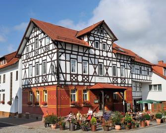 Landhotel Zur Grünen Kutte - Bernshausen - Edificio