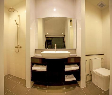 D Living Pattaya - Pattaya - Bathroom