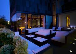 Becker´s Hotel & Restaurant - Трир - Патио