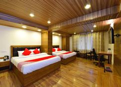 Hotel Himalayan Escape - Shimla - Bedroom