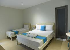 Vybe Hotel - Laoag - Bedroom