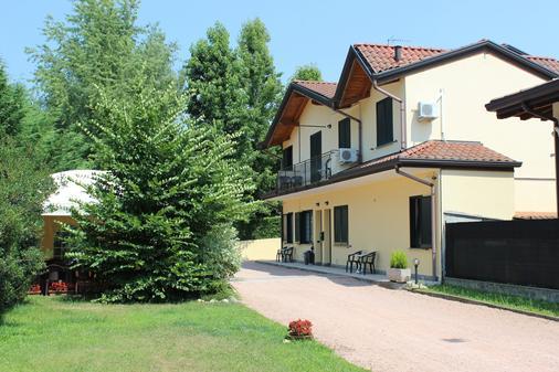 B&B Villa Giglio - Arsago Seprio - Building