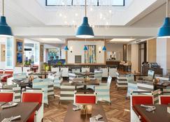 เดอะวอเตอร์ฟรอนท์บีชรีสอร์ท - ในเครือโรงแรมฮิลตัน - ฮันติงตันบีช - ร้านอาหาร