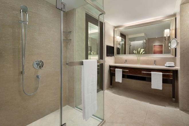 Shangri-La Hotel - Kuala Lumpur - Kuala Lumpur - Bathroom