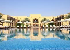 Tilal Liwa Hotel - Madinat Zayed - Zwembad