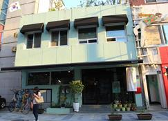 NeaRest Guesthouse in Jeonju - Hostel - Jeonju - Edifício