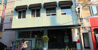 NeaRest Guesthouse in Jeonju - Hostel - Jeonju - Edificio