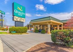 Quality Inn - Goodlettsville - Edificio